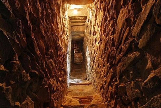 土耳其考古学家发现古老地牢 距今2300年