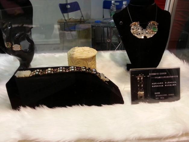 传统与现代碰撞 古典首饰也时尚
