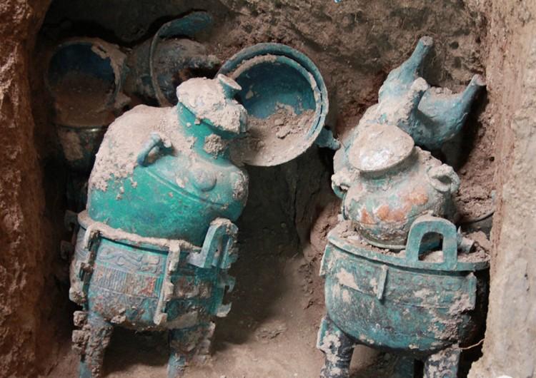 宝鸡石鼓山发现青铜簠 系考古出土首件