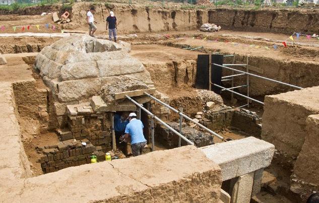 天津东汉时期列侯等级墓葬发掘现场对外开放