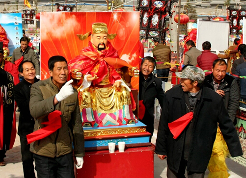 甘肅張掖重現非物質文化遺產九曲黃河燈陣請神入陣儀式