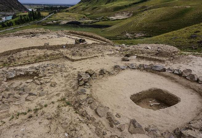 新疆伊犁發現中國最早用煤遺跡