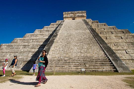 考古学家发现库库尔坎金字塔建于地下河之上