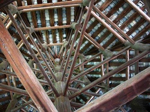 因为中国古代建筑主要是木构架结构