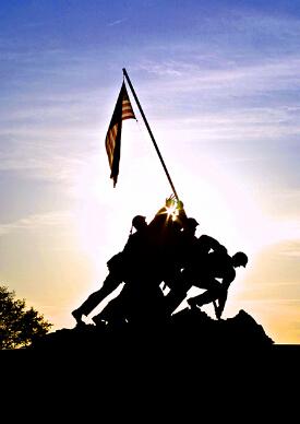 清晨旭日下的硫磺岛纪念碑剪影
