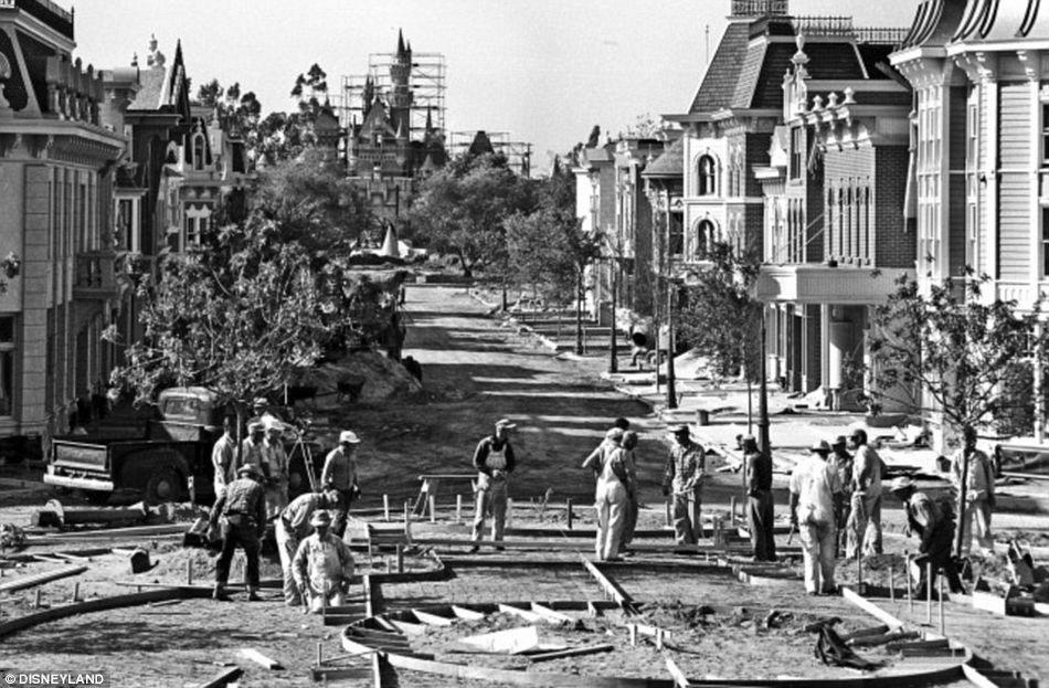 老照片展现60年前美国迪士尼乐园风貌