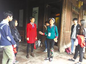 """[宁波]月湖畔""""历史文化传播志愿者""""在行动"""