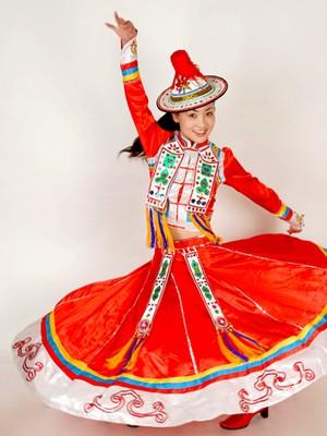 裕固族传统服饰图片