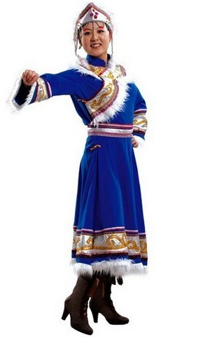 赫哲族最有特色的衣服是用什么做的?