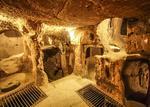 男子翻修房子发现下面藏4000平米地下城