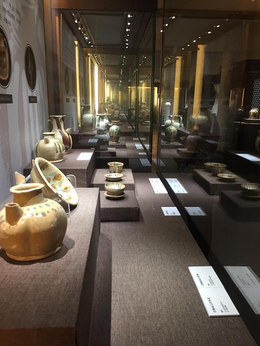 灿烂瑰丽长沙瓷 《诗意的彩瓷——长沙窑瓷器艺术展》在京开展
