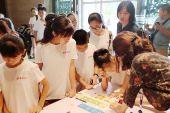 环卫子女走进中国美术馆