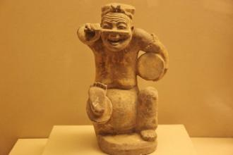 气魄宏伟的秦汉陶瓷及陶塑艺术的成就
