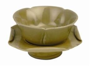 老窑瓷:唐代秘色瓷荷花托盏赏析
