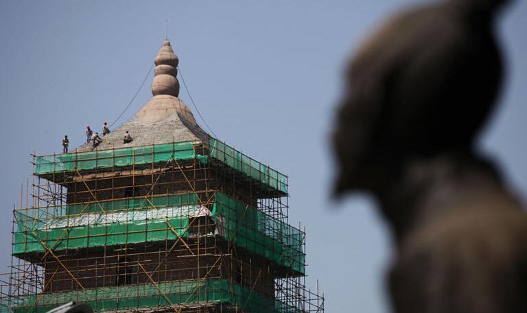 大雁塔维修结束焕新颜 残损明代青砖被定制砖替换