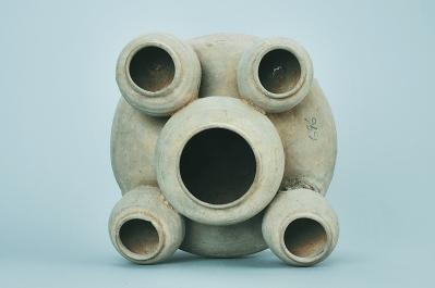 汉代五联罐浪漫与现实兼具的陪葬明器