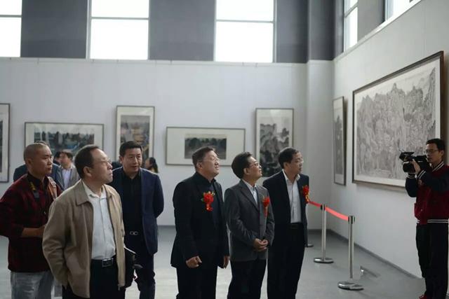 经典之路——崔晓东山水画展开幕