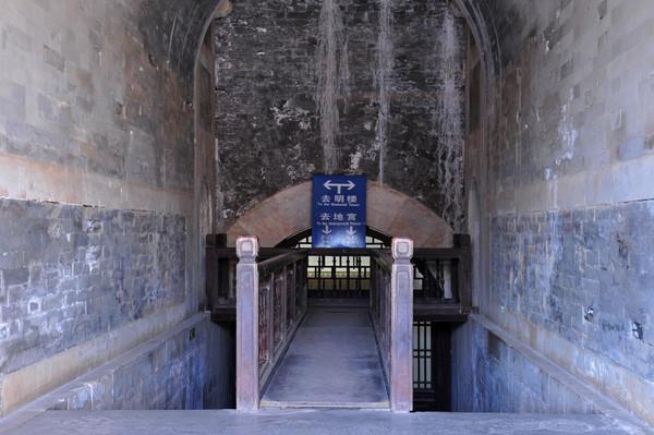 康熙帝的墓穴被盗绝世珍宝无数,最终盗墓者被处决
