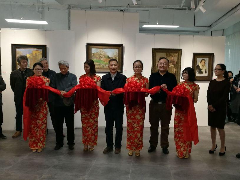 南京首家俄罗斯油画专业画廊开业