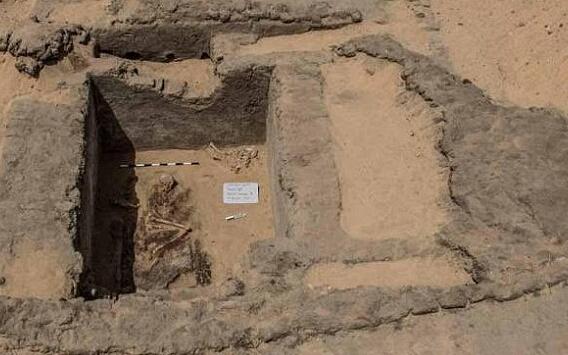 埃及出土7000年前古城遗址 含超大墓地