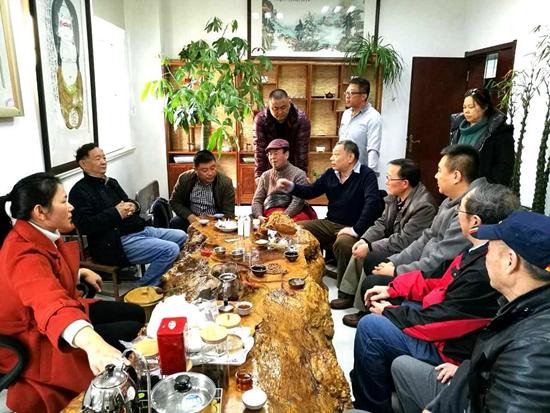 流光溢彩•盛世华章——元惺华奎摄影书画联展在青岛举行