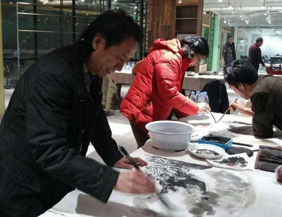 北京画家赴万象书画院廊坊分院拍出好成绩