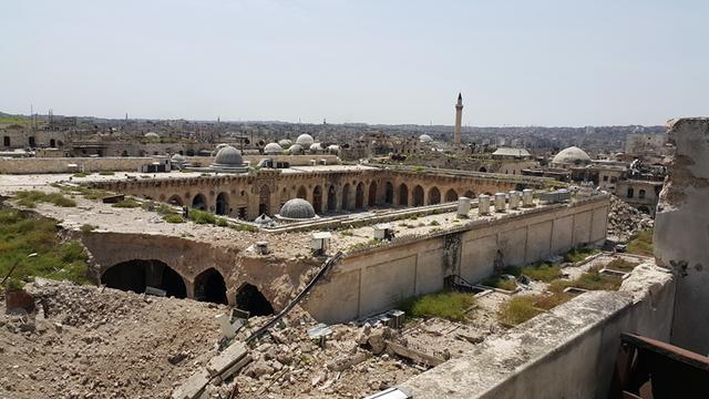 被炸毁后的阿勒颇倭马亚大清真寺大清真寺-图片版权归原作者所有
