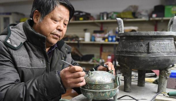 """湖北随州""""5·8""""特大盗掘古墓案文物修复完成"""