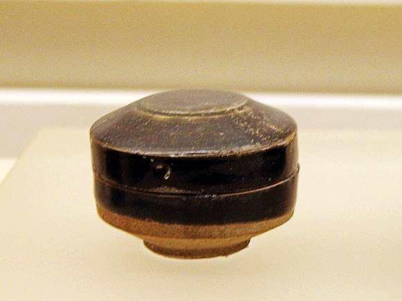 耀州窑博物馆馆藏唐代黑釉瓷器