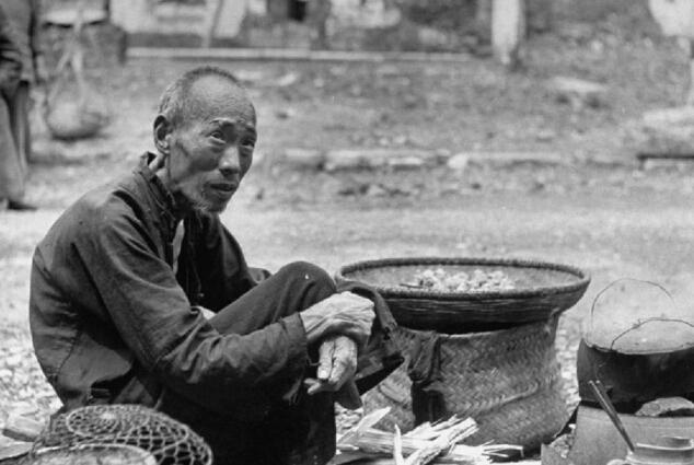 老照片:1946年中国南方大饥荒