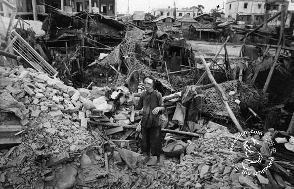 老照片:1938年日军轰炸汕头后的惨痛状