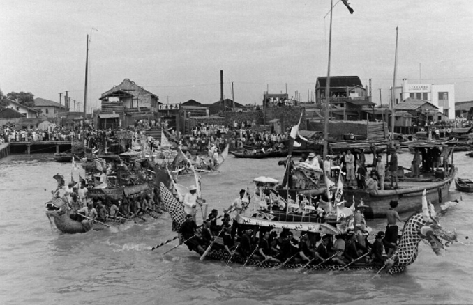 1948年上海赛龙舟盛况