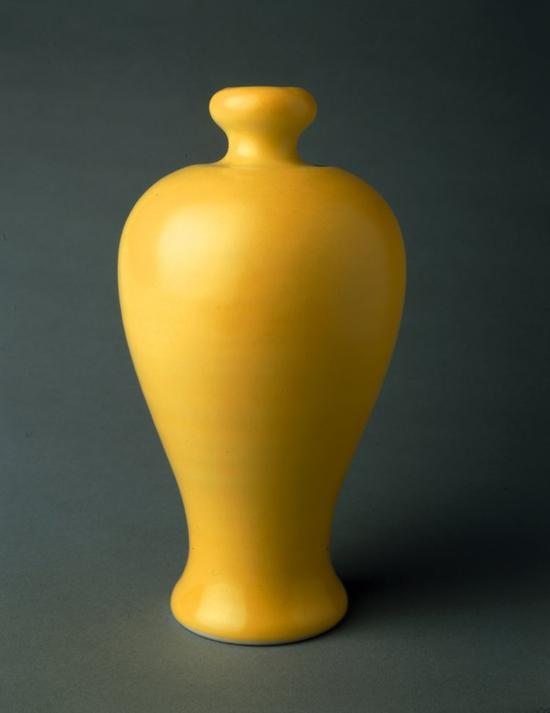 淡黄釉梅瓶 大英博物馆馆藏-图片版权归原作者所有