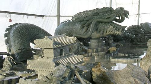 中华腾龙巨型洮砚震撼亮相引社会各界关注