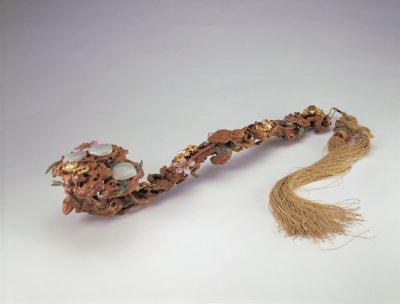 清 黄杨木嵌金蝠珠石如意 北京故宫博物院藏-图片版权归原作者所有