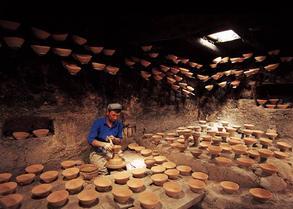 维吾尔族模制法土陶烧制技艺