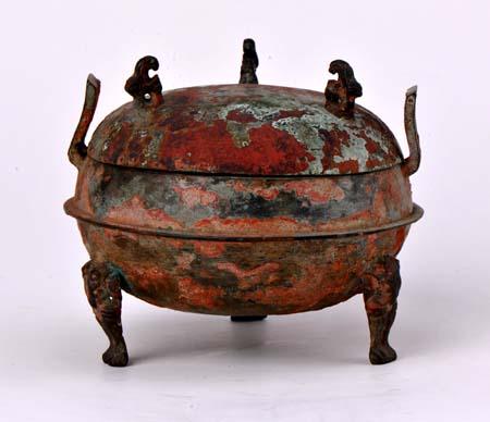 吉林大学考古与艺术博物馆馆藏青铜器