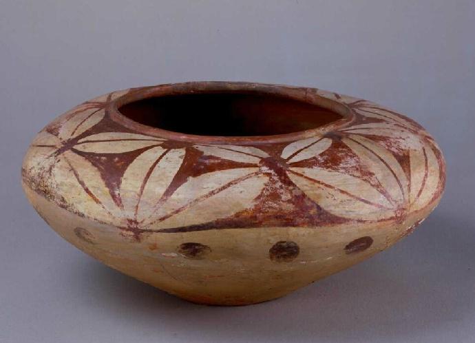 故宫博物院新石器时代古陶