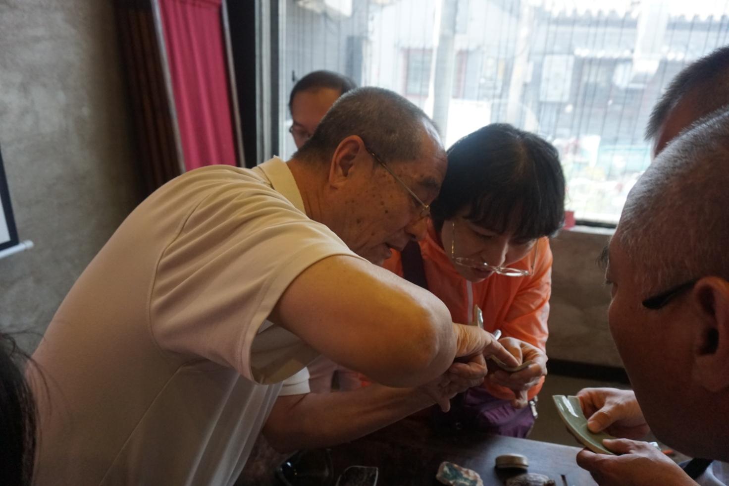 文物专家进社区 老窑瓷系列讲座活动走进西长安街街道