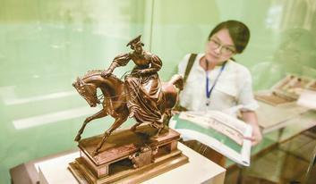 """这个夏天到成都博物馆看俄罗斯""""帝国夏宫""""珍宝"""