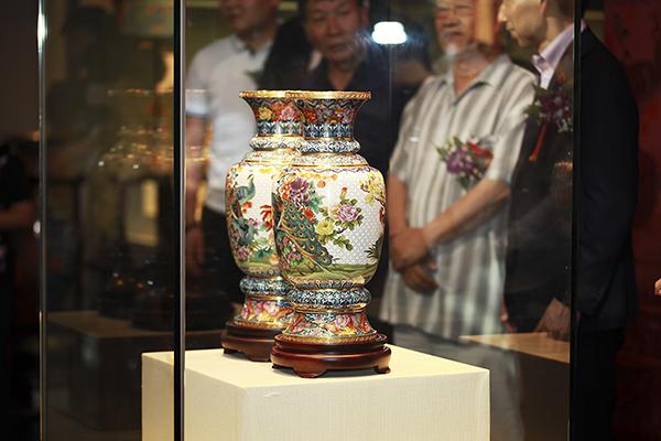 香港回归20周年在即,三位景泰蓝国大师再造经典