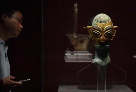 三星堆、金沙遗址出土文物在山东博物馆展出