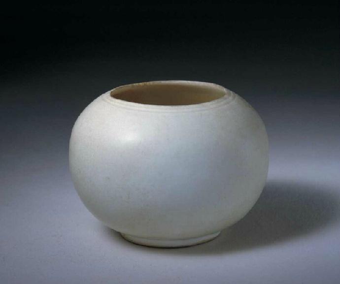 故宫博物院馆藏的五代定窑瓷