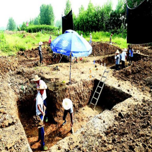 工地惊现汉唐墓葬群 湖北抢救发掘出一批精美文物