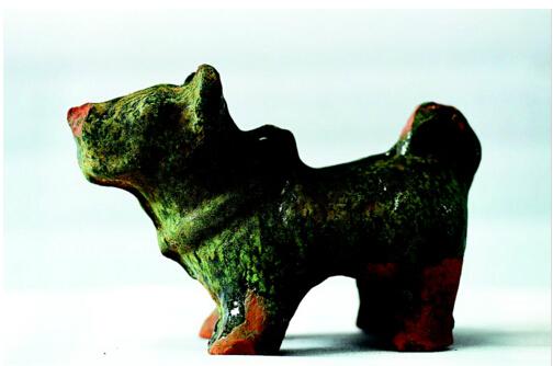 图为出土的陶狗-图片版权归原作者所有