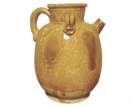 黄釉执壶是研究唐朝酿造业不可或缺的实物资料