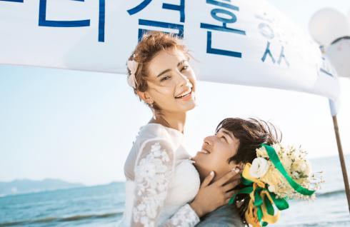 【重庆成都拍海边婚纱照多少钱】——大连哈尔滨青岛婚纱摄影哪家好前