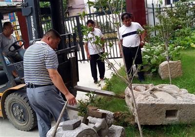 许昌男子私自收藏明代石碑 鉴定后移交文物部门
