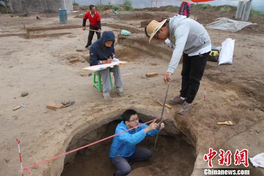 图为鄂家东遗址考古发掘。 民和县博物馆 摄-图片版权归原作者所有
