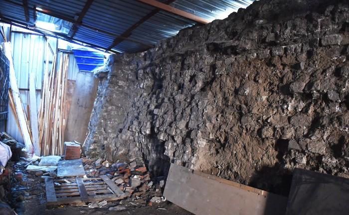 沈阳一废品站发现23米长明代城墙遗址